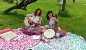 Leona y Gata musica